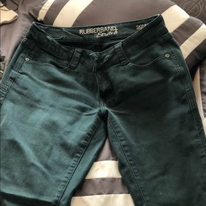 Rubber and stretch skinny jeans